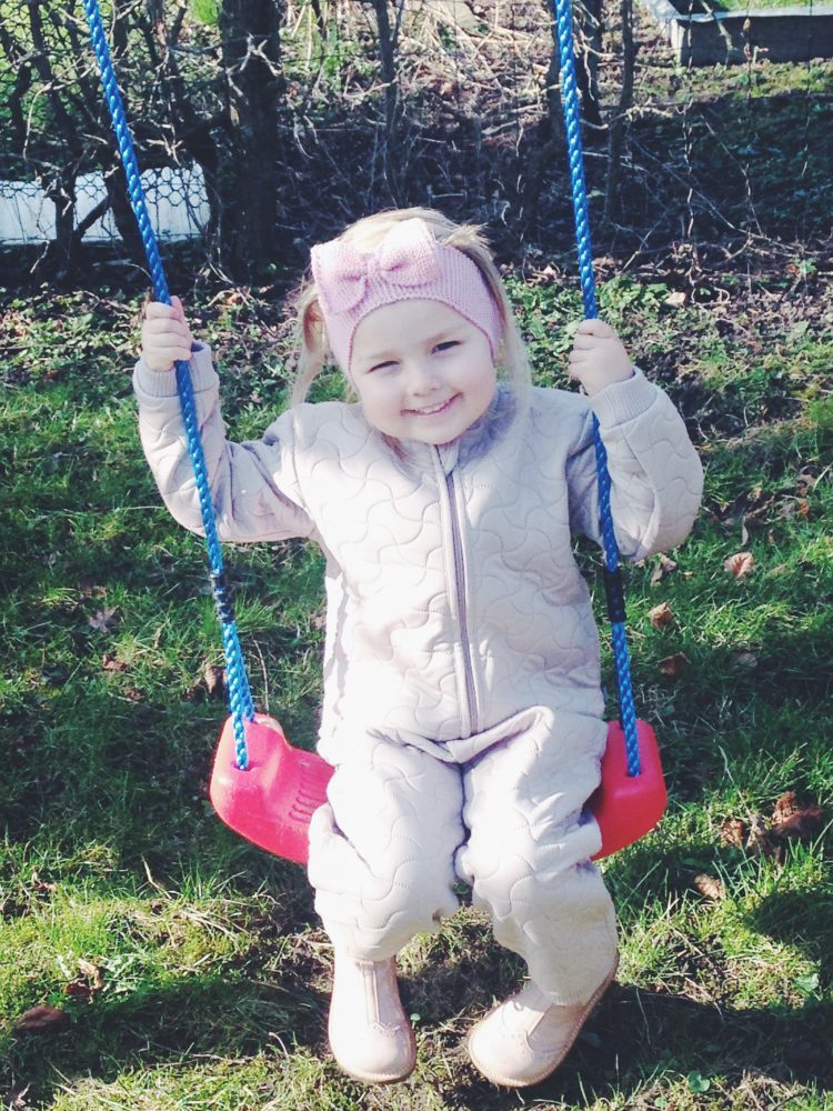 Isabella er glad for sit termotøj - og derfor er vi glade, når vi finder Wheat termotøj på tilbud