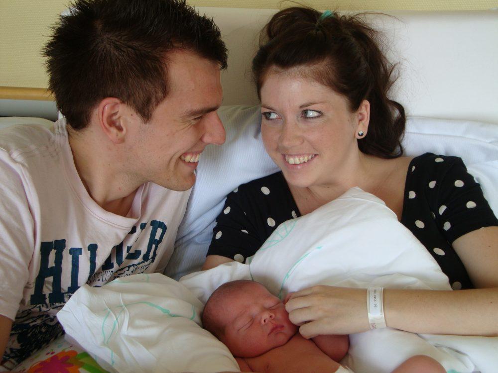 den 1 august blev vi en familie på 3 - om end en noget ung familie. Men hvornår er man for gammel til de unge mødre