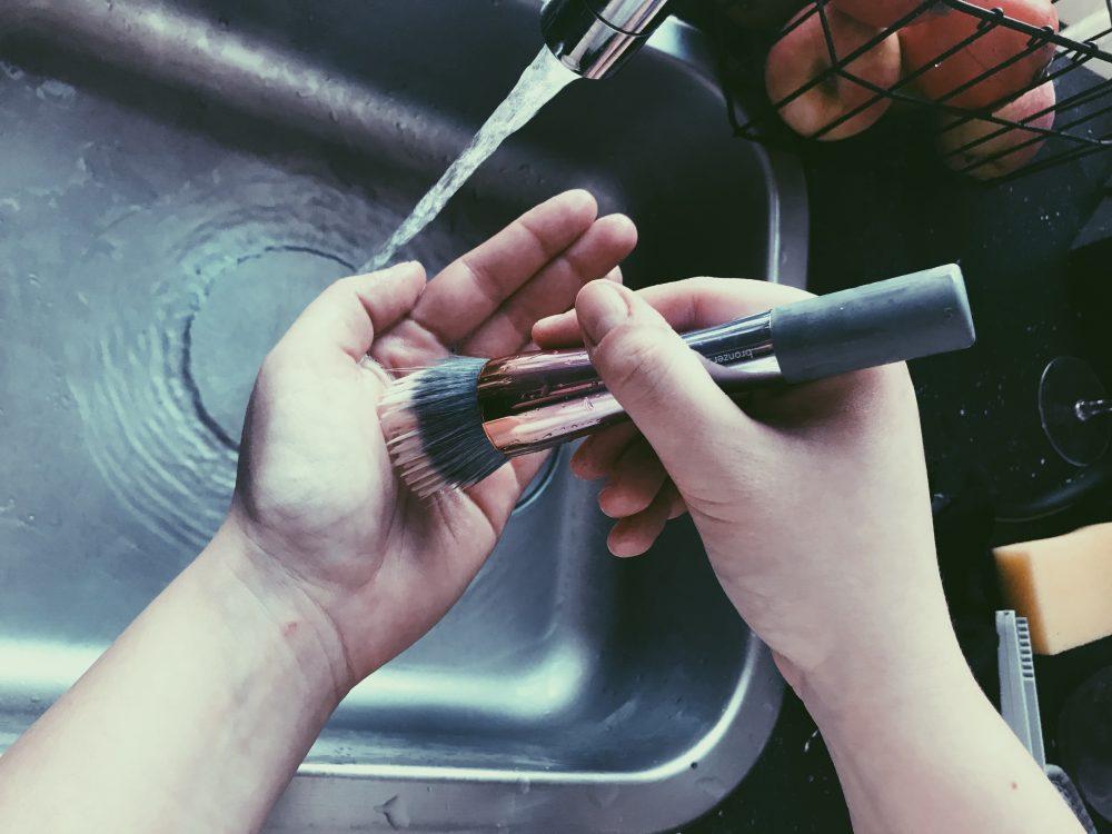 rens dine make up pensler - og giv dem nyt liv